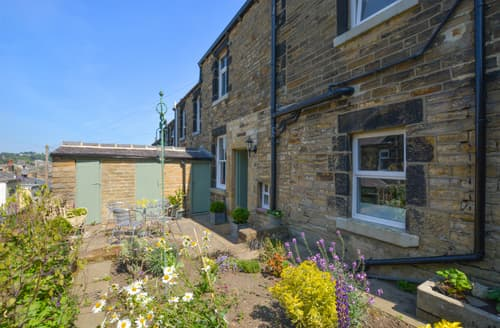 Big Cottages - Tasteful Skipton Cottage S105336
