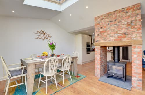 Last Minute Cottages - Lovely Whitby Rental S11067