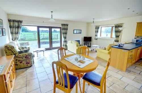 Last Minute Cottages - Captivating Myerscough Cottage S44266