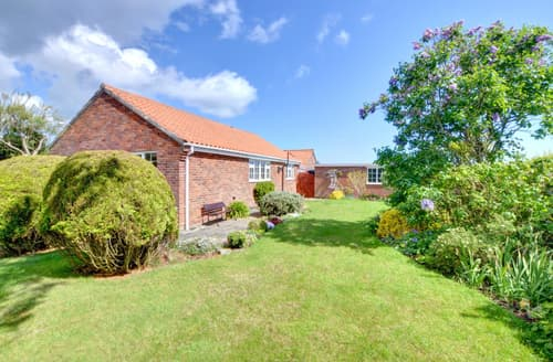 Dog Friendly Cottages - Inviting Whitby Cottage S81910