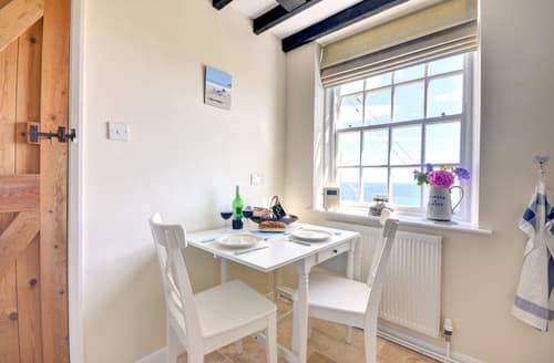 Last Minute Cottages - Beautiful Staithes Cottage S84675
