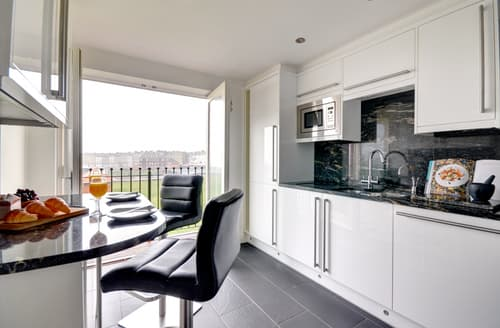 Last Minute Cottages - Captivating Whitby Apartment S94798