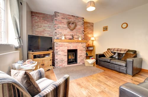 Dog Friendly Cottages - Captivating Whitby Cottage S98785
