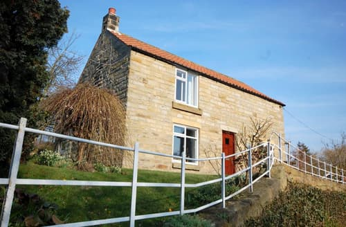 Last Minute Cottages - Lovely Egton Bridge Rental S11041