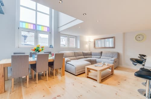 Last Minute Cottages - Adorable Whitby Apartment S121389