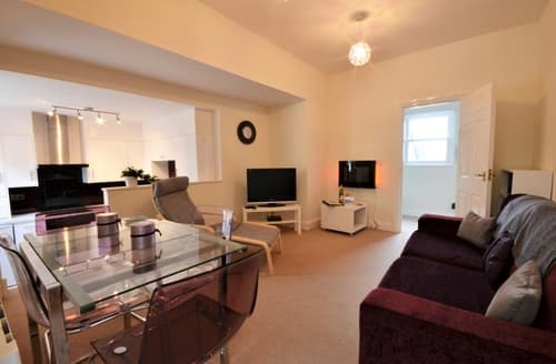 Last Minute Cottages - Cosy Dartmouth Apartment S87042