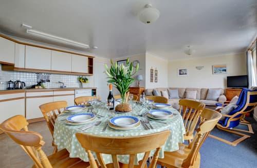Last Minute Cottages - Flat 28 Clifton Court