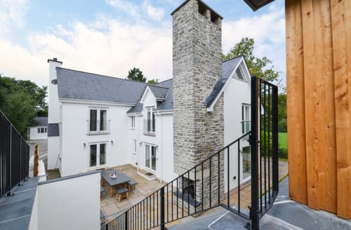 Last Minute Cottages - Priory House