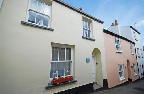 Last Minute Cottages - Cosy Appledore Rental S12178