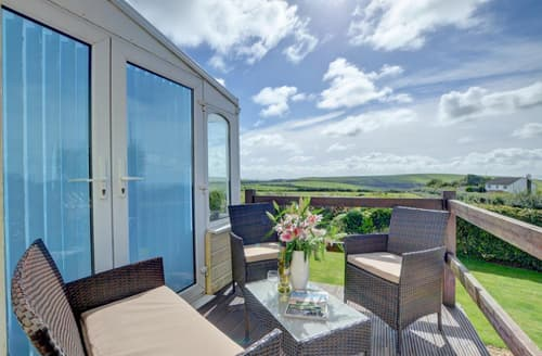 Last Minute Cottages - Beautiful Woolacombe Apartment S70755