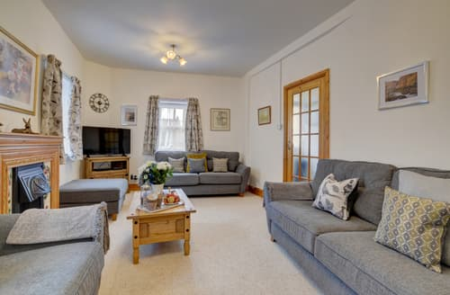 Last Minute Cottages - Lovely Lynton Cottage S101349
