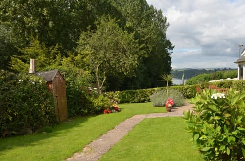Last Minute Cottages - Delightful Galmpton Cottage S121310