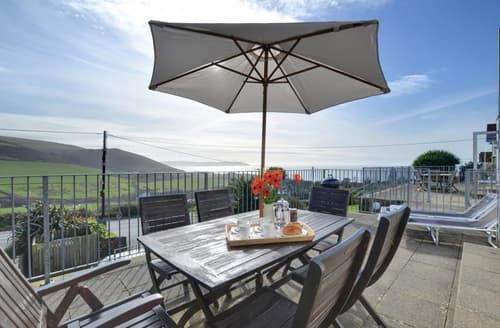 Last Minute Cottages - Cosy Woolacombe Apartment S12094