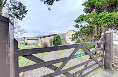 Last Minute Cottages - Sanfield House