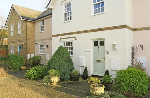 Last Minute Cottages - Attractive Long Melford Cottage S43947