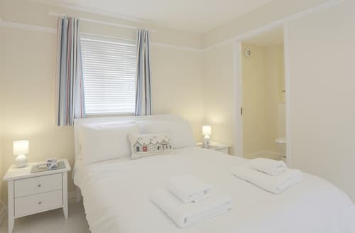 Last Minute Cottages - Attractive Aldeburgh Apartment S84174