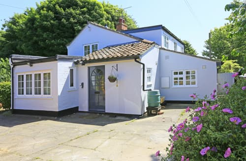 Last Minute Cottages - Charming Waldringfield Cottage S81894