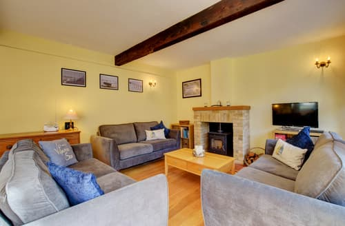 Last Minute Cottages - Cosy Bawdsey Cottage S97528