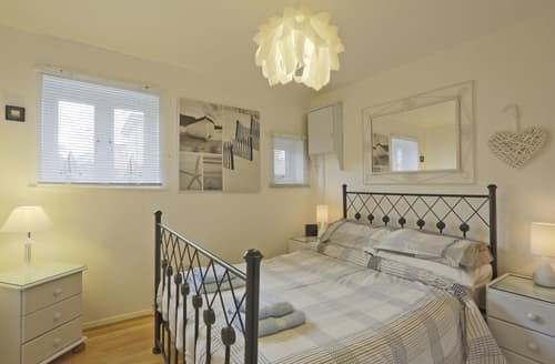 Last Minute Cottages - Tasteful Aldeburgh Apartment S10177