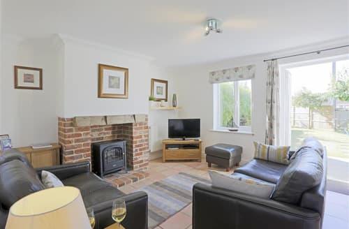 Last Minute Cottages - Quaint Reydon Cottage S45527