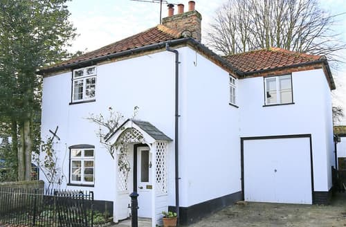 Last Minute Cottages - Adorable Westleton Cottage S77870