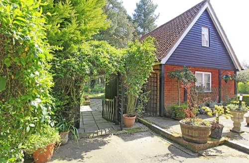 Last Minute Cottages - Charming Frostenden Rental S26258