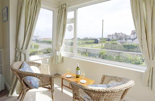 Last Minute Cottages - Wonderful Southwold Apartment S10304