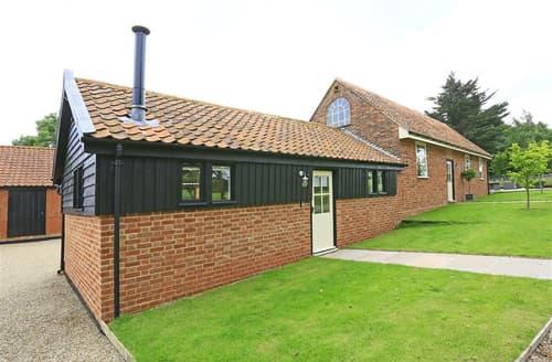 Last Minute Cottages - Beautiful Bramfield Lodge S60275