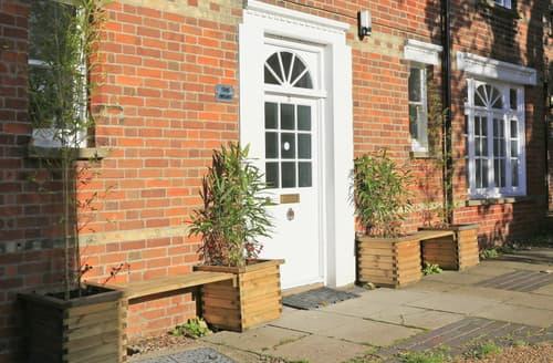 Last Minute Cottages - Excellent Southwold Apartment S97597