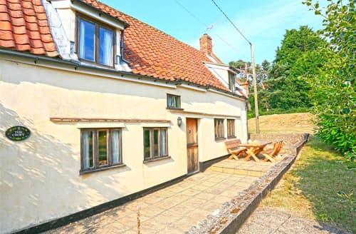 Last Minute Cottages - Cosy Westleton Rental S10196