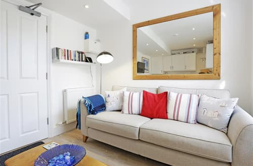 Last Minute Cottages - Cosy Southwold Apartment S37511