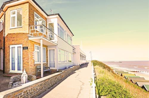 Last Minute Cottages - Beach House