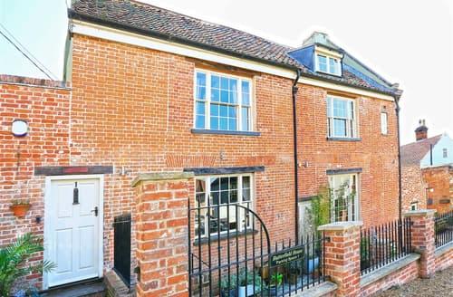 Last Minute Cottages - Quaint Beccles Rental S10294