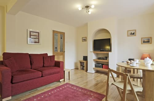Last Minute Cottages - The Pink House