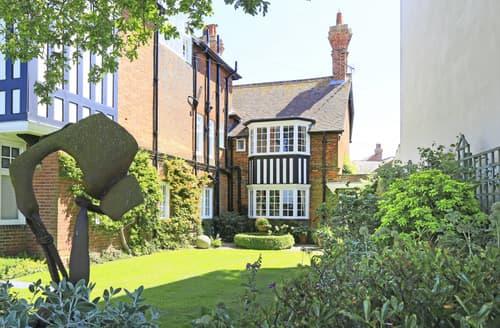 Last Minute Cottages - Attractive Southwold Apartment S71951