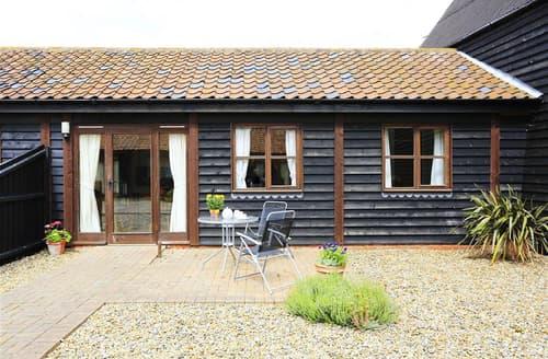 Last Minute Cottages - Wonderful Beccles Rental S10064