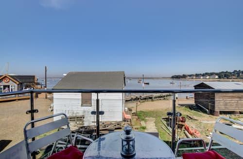 Last Minute Cottages - Harbour View