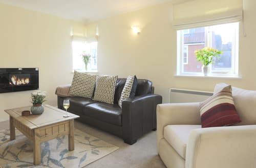 Last Minute Cottages - Beautiful Aldeburgh Apartment S88398