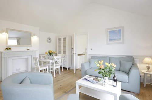 Last Minute Cottages - The Lighthouse