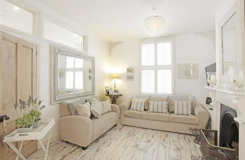Last Minute Cottages - Exquisite Aldeburgh Rental S10154