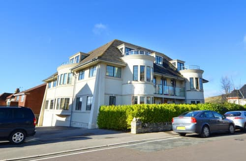 Last Minute Cottages - Tasteful Swanage Apartment S11527