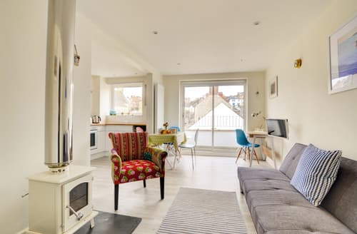Last Minute Cottages - Lovely Swanage Apartment S87922