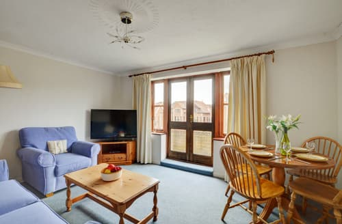 Last Minute Cottages - Stunning Swanage Apartment S81301
