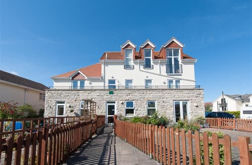 Last Minute Cottages - Beautiful Swanage Apartment S11490