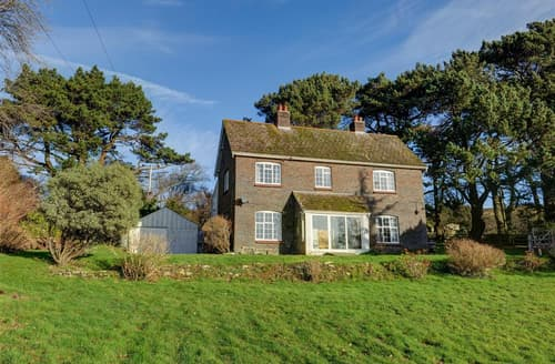 Last Minute Cottages - Field House