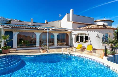 Last Minute Cottages - Villa Amada