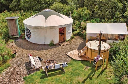 Last Minute Cottages - Florence Spring Yurt