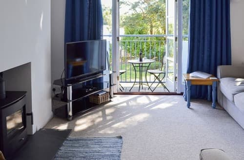 Last Minute Cottages - Tasteful Falmouth Apartment S122741