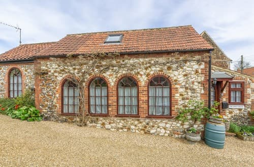 Last Minute Cottages - Superb Sedgeford Barn S114499