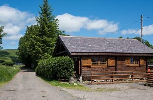 Last Minute Cottages - Tasteful Morpeth Log Cabin S98073